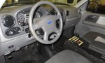 2006-ford-expedition-center-steering-wheel